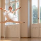 zdjęcie dziewczynki podczas tańca