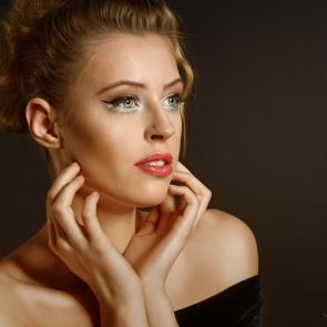 Ewa - beauty shot
