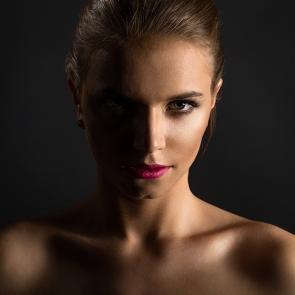 fotografia portretowa z oświetleniem bocznym