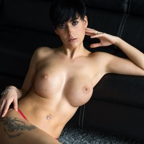 zdjęcie akt - topless